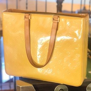 💛large tote💛 Louis Vuitton Tote Vernis